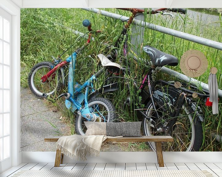 Sfeerimpressie behang: The two Bicycles van Jon Houkes
