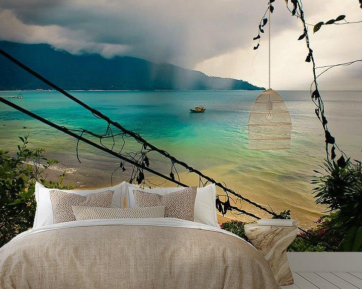 Sfeerimpressie behang: Regenseizoen @ Tioman Island van Sven Wildschut