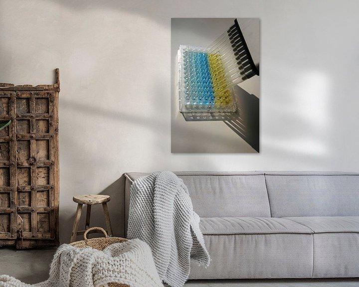 Sfeerimpressie: ELISA microtiterplaat met kleurverandering en pipet van noeky1980 photography