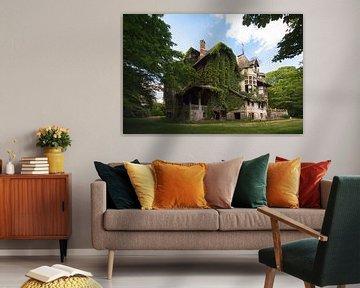 Haus voller Geheimnisse – Villa im Wald, Belgien. von Roman Robroek