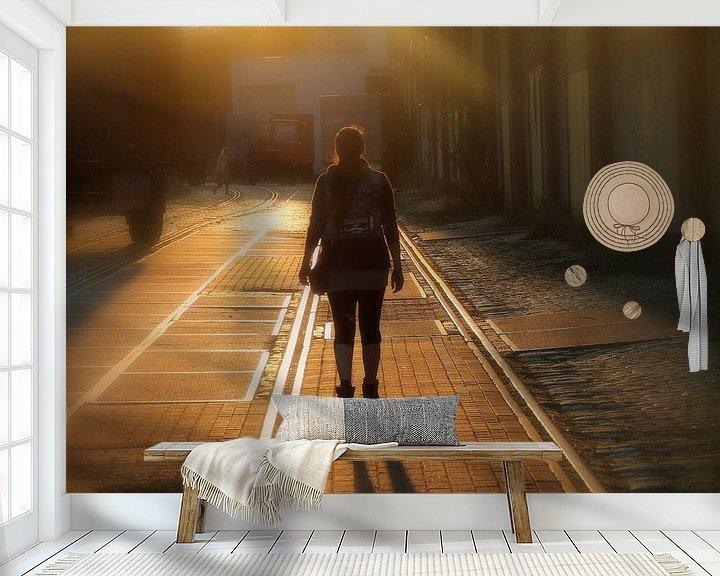 Sfeerimpressie behang: Wandelen in de avondzon van marleen brauers