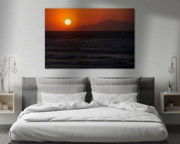 Zonsondergang aan zee van Bob Timroff