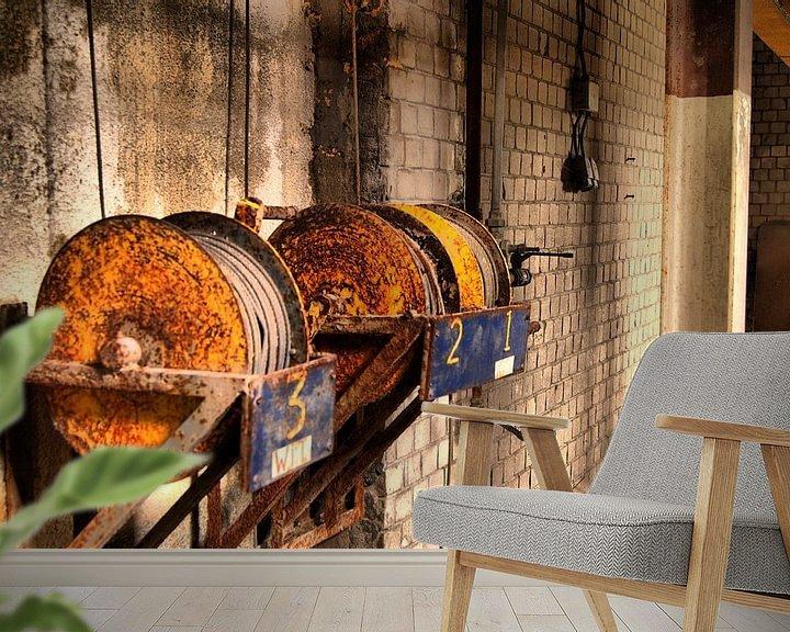 Beispiel fototapete: Kabelrollen aan muur von David Klumperman