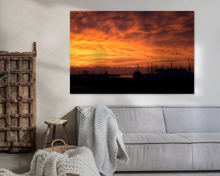 Sfeerimpressie: Onweer op komst bij zonsondergang van Tilja Jansma