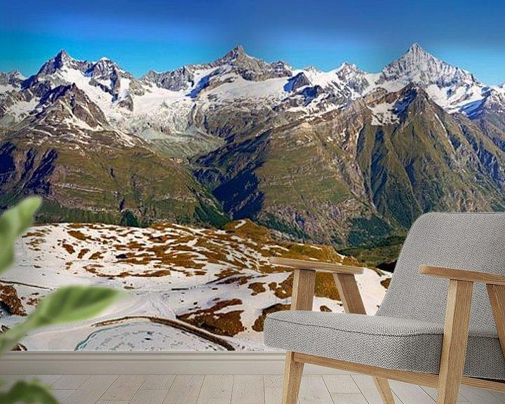 Sfeerimpressie behang: Panorama Alpen met Gornergrat van Anton de Zeeuw