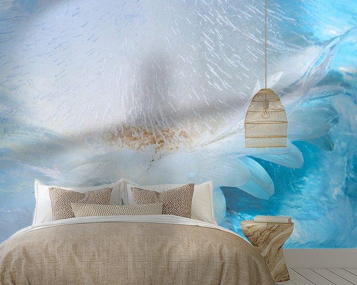Sfeerimpressie behang: Frozen Blue van Gerry van Roosmalen