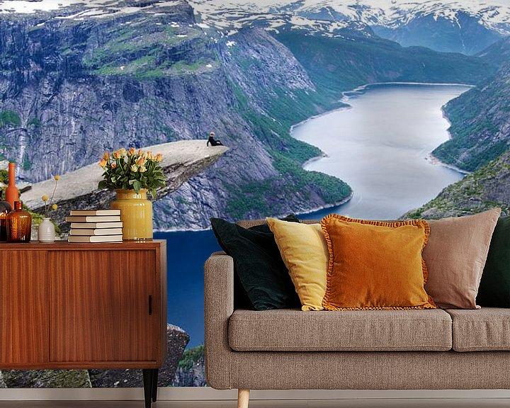 Beispiel fototapete: Trolltunga en de Ringedalsvannet - Norwegen von Ricardo Bouman