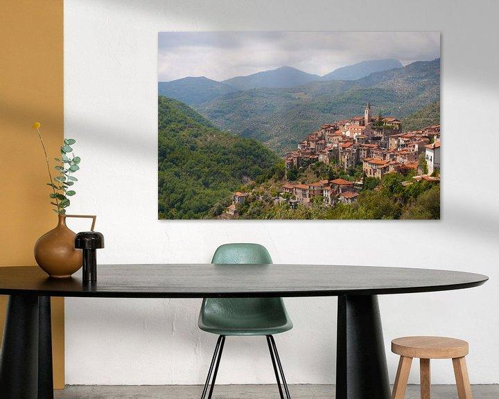 Sfeerimpressie: A Mountain Village in Italy van Brian Morgan