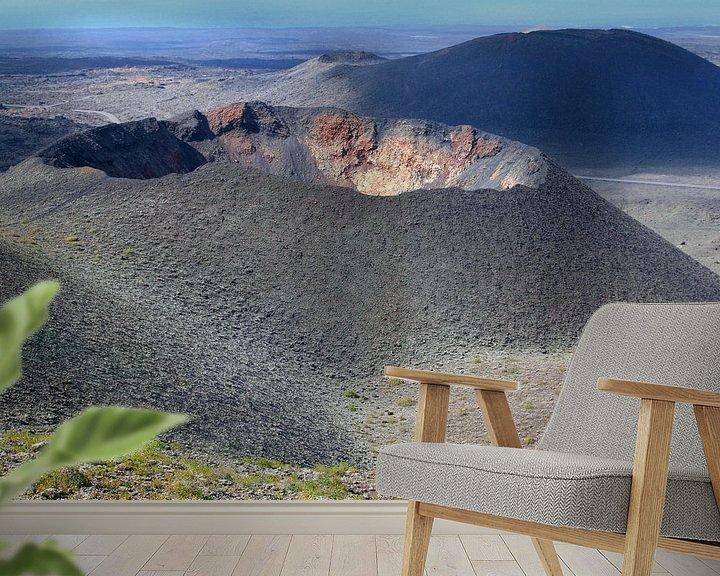 Sfeerimpressie behang: Vulkaankraters, Lanzarote van Inge Hogenbijl