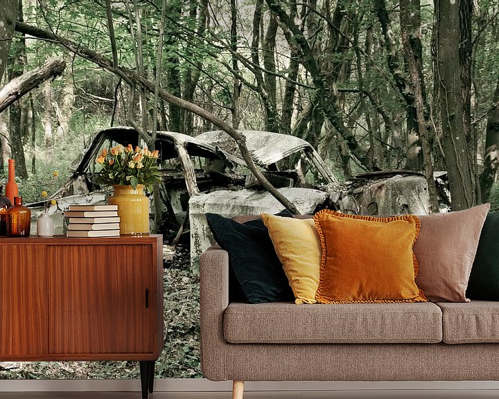 Sfeerimpressie behang: Auto in het bos van marleen brauers