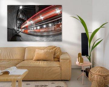 Londen bus onder brug van Folkert Smitstra