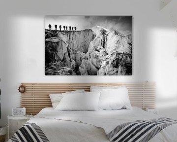 Les alpinistes traversent le glacier de Moiry, un glacier des Alpes suisses sur Menno Boermans