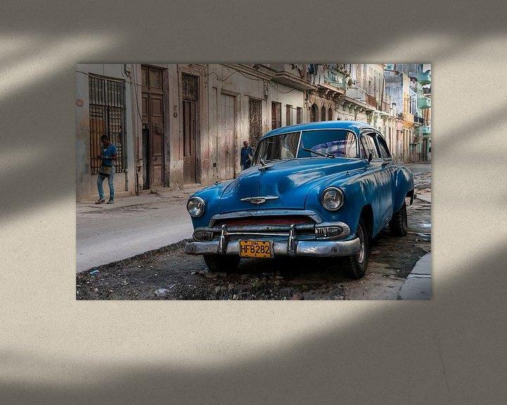 Sfeerimpressie: Blauwe klassieker in Centro Havana van Theo Molenaar