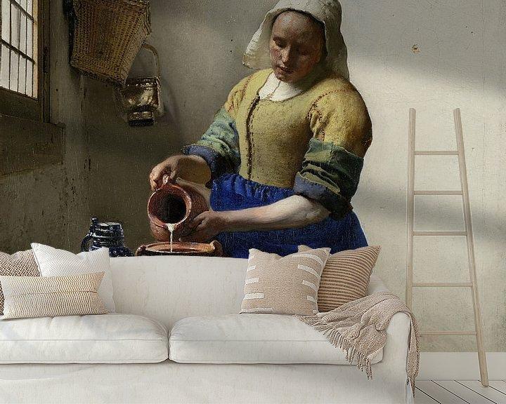 Sfeerimpressie behang: Het Melkmeisje - Vermeer Schilderij (HQ)