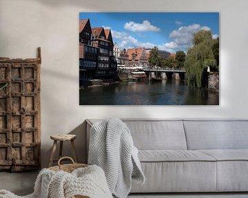 stadsgezicht luneburg oude haven met brug von Groothuizen Foto Art