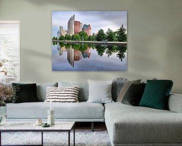 Skyline Den Haag met water reflectie van Huub Keulers