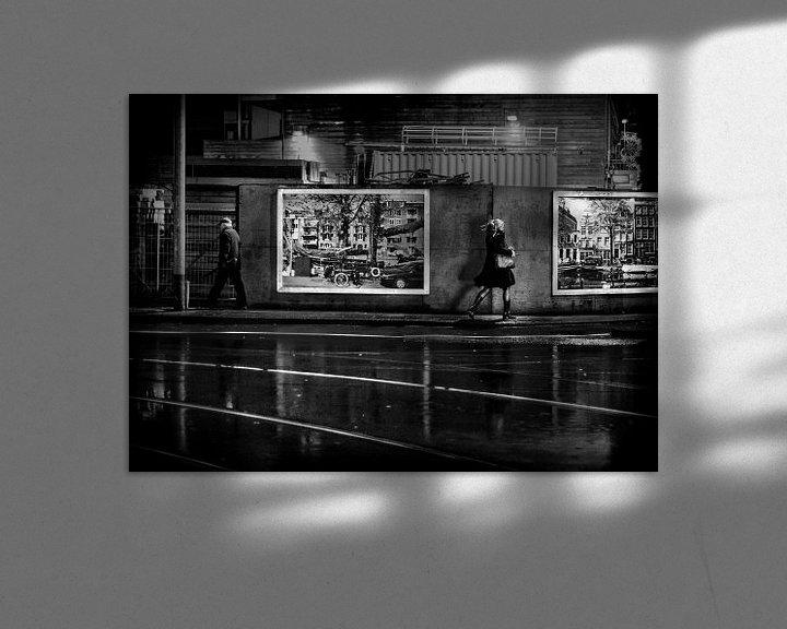 "Sfeerimpressie: Avond Straatbeeld Ferdinand Bolstraat Amsterdam ""Sidewalk"" van Ipo Reinhold"