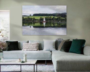 Diemelsee met zeilbootje, Duitsland