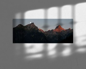 Zonsondergang in de Alpen von Arthur van Iterson