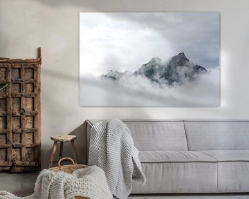 Alpen in de wolken von Arthur van Iterson