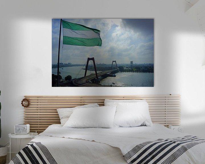 Sfeerimpressie: Willemsbrug met Rotterdamse vlag van Michel van Kooten