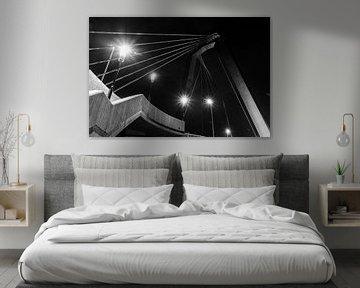 Zijkant trap naar de Willemsbrug in Rotterdam (zwart-wit) van Maurice Verschuur