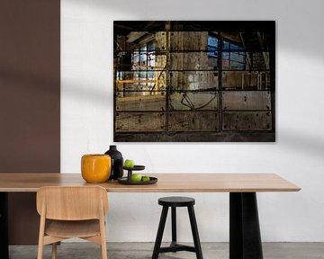 Interieur van voormalige meelfabriek in Leiden; gewild decor voor tv opnamen von Jaap de Raat