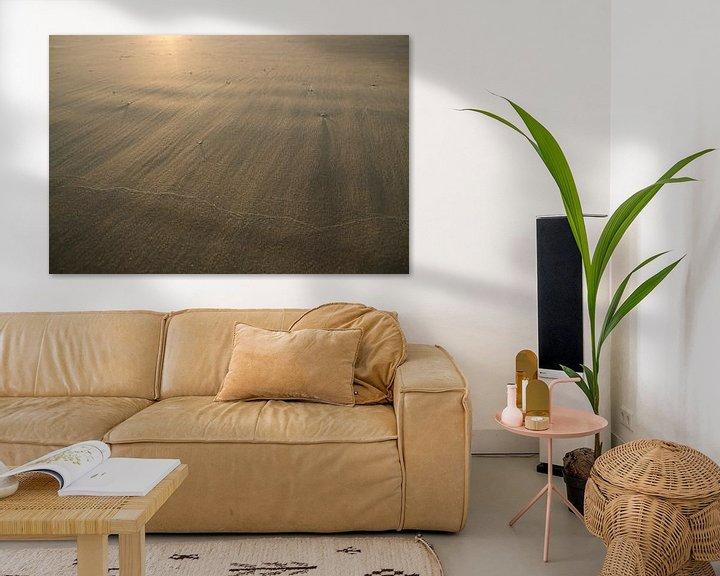 Sfeerimpressie: Goud zand in de wind fotoprint van Manja Herrebrugh - Outdoor by Manja