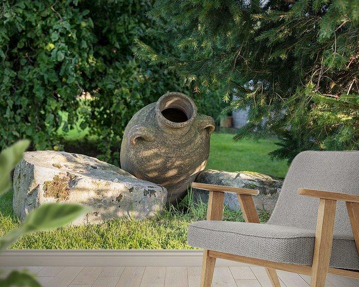 Impression: oude vaas in tuin stilleven sur ChrisWillemsen