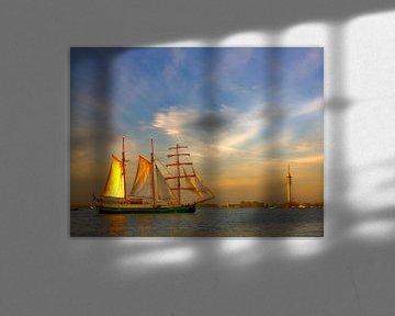 Zeilschip in strijklicht Markermeer von Juul Baars