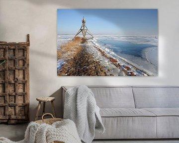 Vuurtoren bij bevroren IJsselmeer sur Sandra Visser