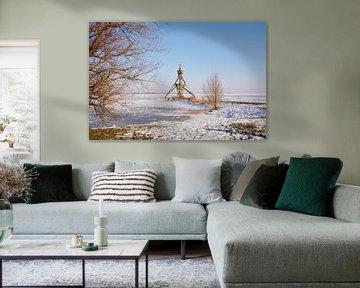 Vuurtoren bij met ijs bedekt IJsselmeer von Sandra Visser