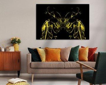 Vlinder in rook van Arie Storm