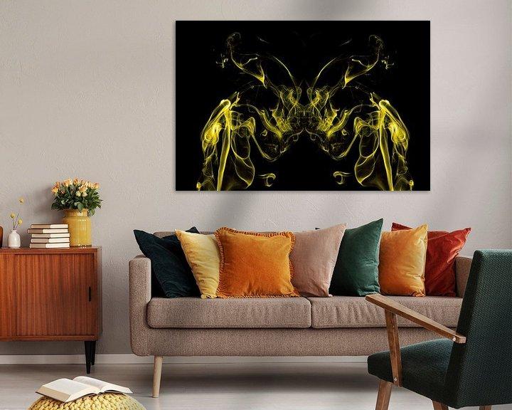 Sfeerimpressie: Vlinder in rook van Arie Storm