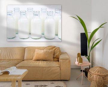 Kleine flesjes met room van BeeldigBeeld Food & Lifestyle