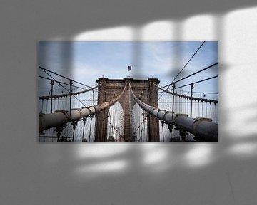 Wandelen over de Brooklyn Bridge von Roy Poots