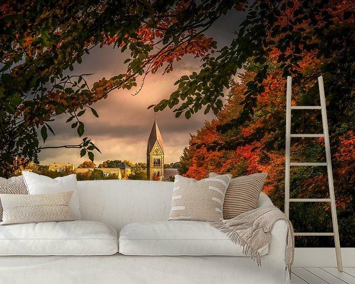 Sfeerimpressie behang: Kerk Gulpen omgeven door herfstkleuren van John Kreukniet