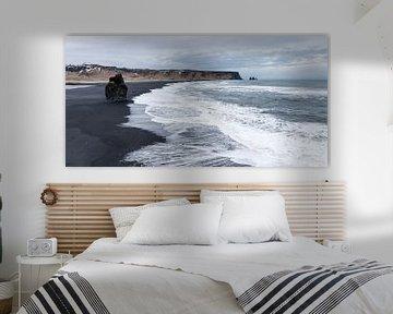 Plage de sable noir au Vik, Islande sur Hans Brinkel
