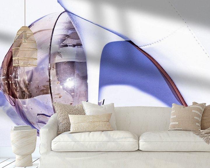 Sfeerimpressie behang: the trampled wine glass (1) van Norbert Sülzner