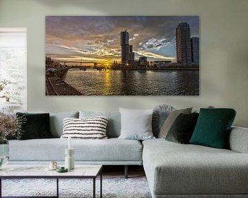Kop van Zuid (Rotterdam) tijdens zonsondergang van Eddie Meijer