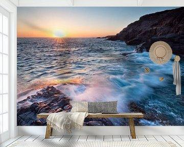 Sunset on the rocks van Laura Vink