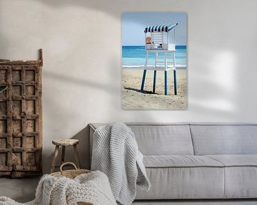 Strandwacht aan  azuurblauwe kust Tenerife van Hannie Bom