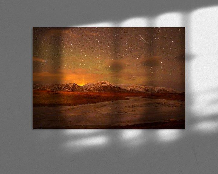 Sfeerimpressie: Noorderlicht boven IJslands landschap van Hannie Bom