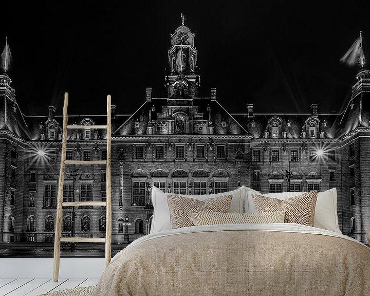 Sfeerimpressie behang: Het Stadhuis van Rotterdam in Zwart/Wit van MS Fotografie | Marc van der Stelt