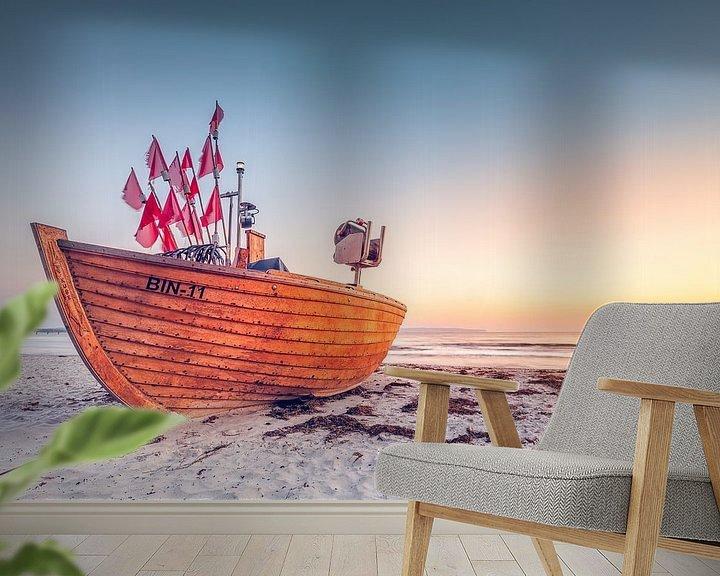 Sfeerimpressie behang: Letztes Fischerboot BIN-11 (Binz / Rügen) van Dirk Wiemer