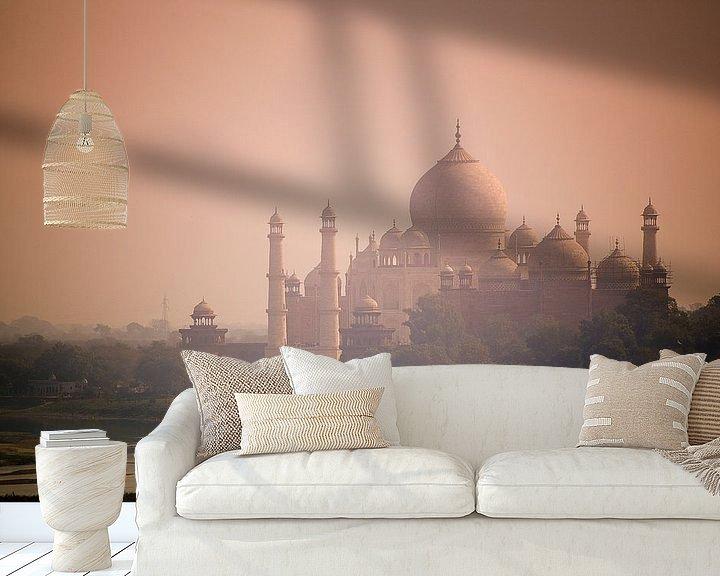 Sfeerimpressie behang: Taj Mahal - Morning Light van Nico van der Vorm