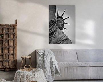 Het vrijheidsbeeld - New York, Amerika (zwart wit) van Be More Outdoor