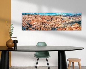Indrukwekkend panorama van amphitheater in Bryce Canyon, Utah van Rietje Bulthuis
