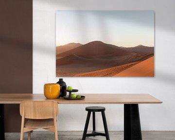Zonsopgang in Sossusvlei, Namibië van Simone Janssen