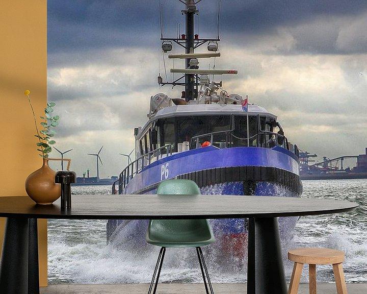 Sfeerimpressie behang: Politieboot van Peet de Rouw